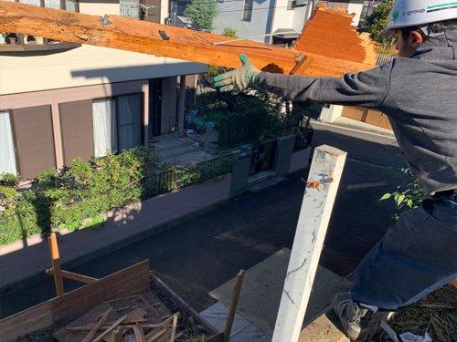 東京都町田市つくし野の木造揚重解体工事 施工事例手壊しによる木造解体工事