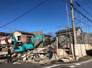 埼玉県吉川市の解体工事 施工事例建物解体中