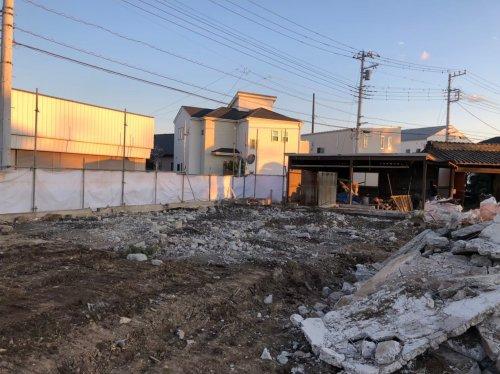 川越市小室  木造3棟+植栽の解体工事廃材や庭石の撤去