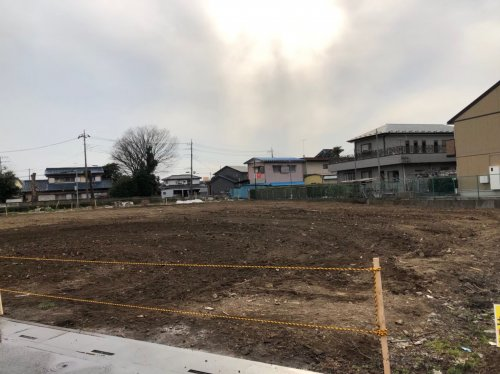 川越市小室  木造3棟+植栽の解体工事解体後の整地作業