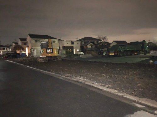 ふじみ野市駒林 軽量鉄骨 倉庫解体重機による土間の解体工事