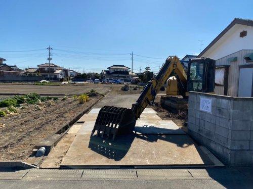 埼玉県鴻巣市赤城 木造2階建て解体工事重機による鉄板敷き工事