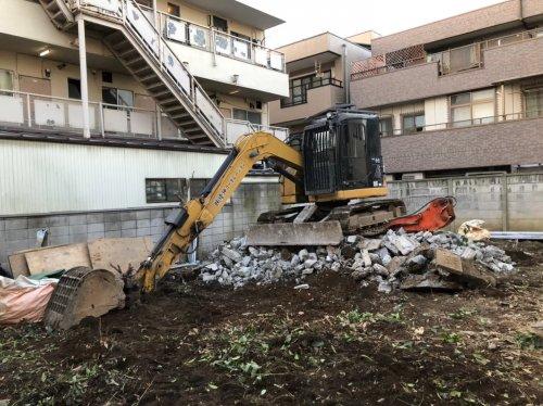 神奈川県川崎市京町 木造解体工事+植栽コンクリート基礎解体後の植栽撤去