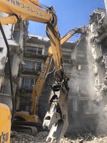 板橋区泉町 マンション解体重機によるマンションの解体工事
