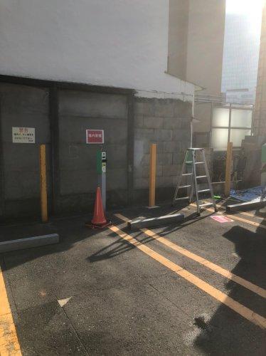東京都新宿区神楽坂の万年塀解体工事手作業による万年塀解体工事