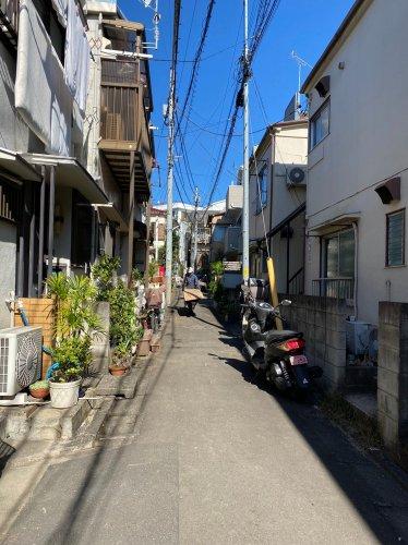 東京都目黒区の木造3棟解体工事 施工事例木造3棟建解体工事着工前の様子