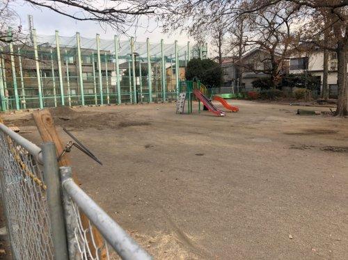 東京都杉並区和泉の公園解体工事 施工事例公園解体工事前の様子