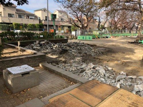 東京都杉並区和泉の公園解体工事 施工事例公園改修に伴う通路土間の解体工事