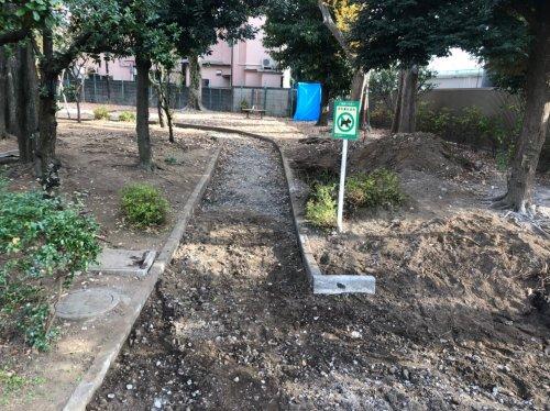 東京都杉並区和泉の公園解体工事 施工事例公園解体工事の整地作業