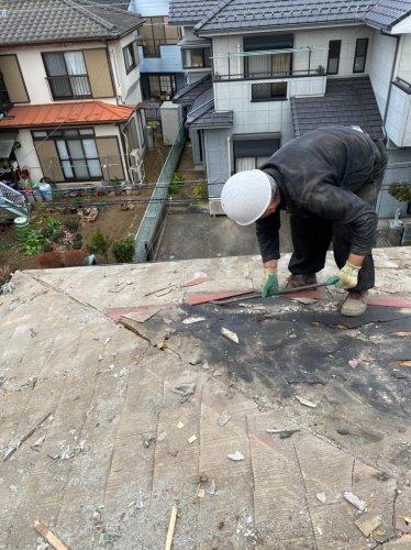 神奈川県愛川町の木造2階建解体工事 施工事例木造住宅の瓦下ろし工事